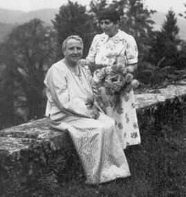 The Poetic & Revolutionary Love Life of Gertrude Stein & Alice B. Toklas